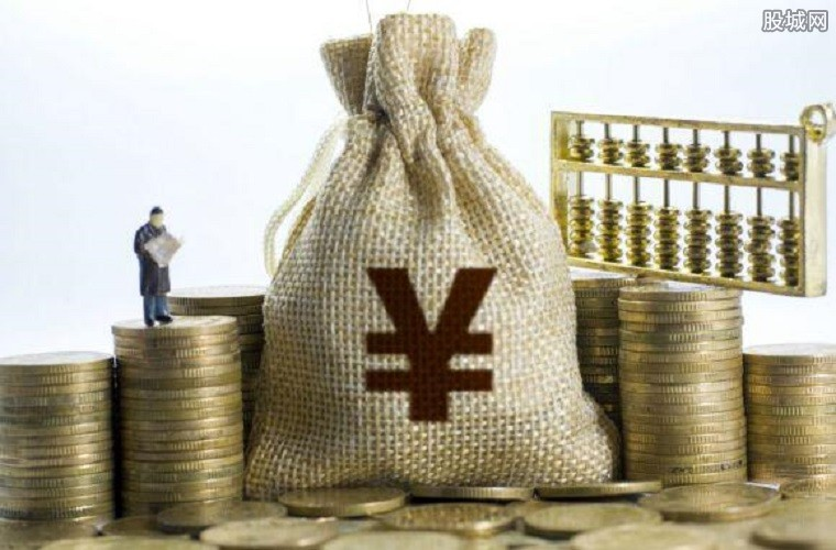 金融业增加值超900亿