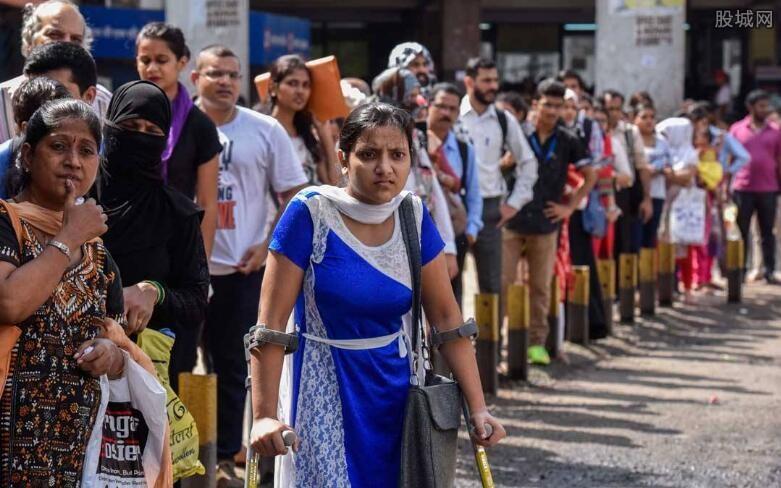 印度百万银行职员罢工