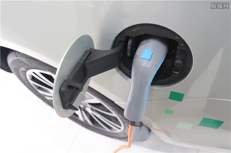 新能源汽车股走势分化