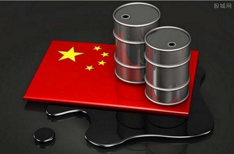 原油期货上市涨跌停幅度10%