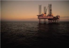 原油市场迅速降温 业界预测或跌至60美元