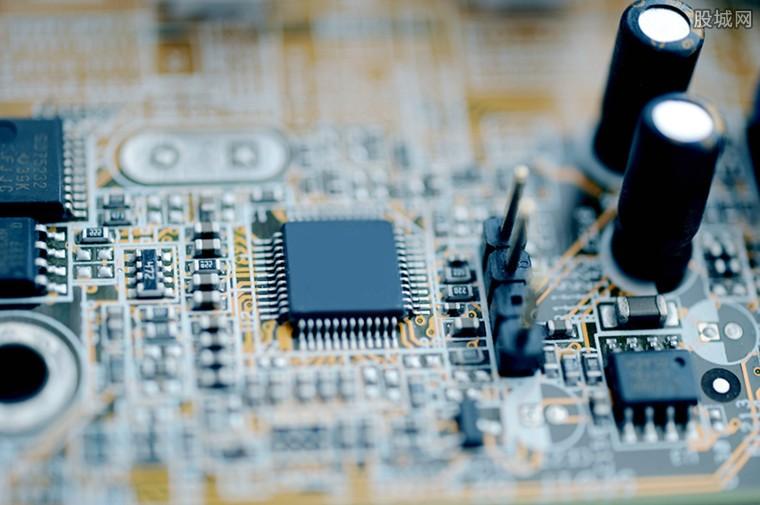 新芯片初始市场仍然很小