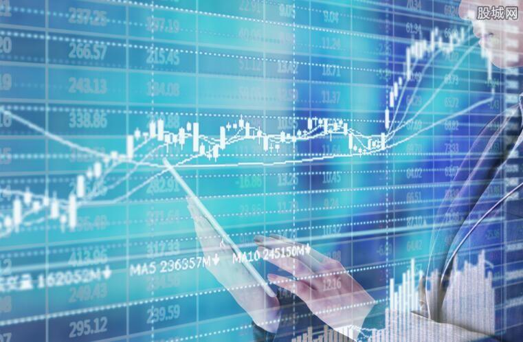 创业板指涨4.82%
