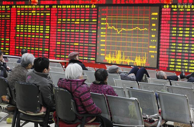 A股开启盈利向上周期 蓝筹股被基金看好