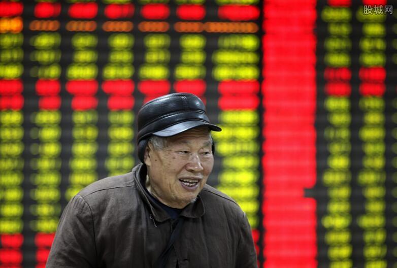 三大股指弱势盘整 沪指半日收跌0.06%
