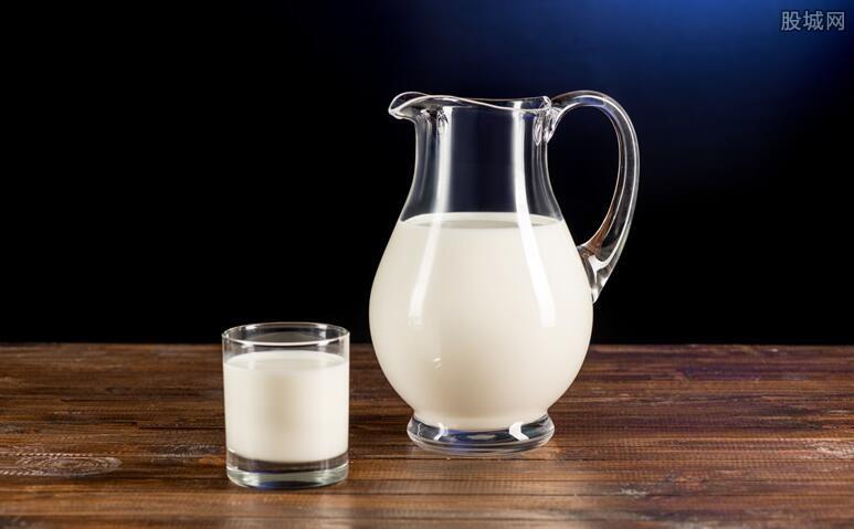 国产乳业概念股异动拉升