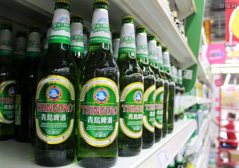 青岛啤酒千亿市值