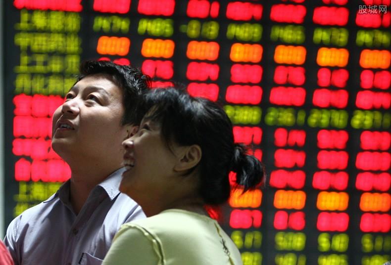 中小板股票如何